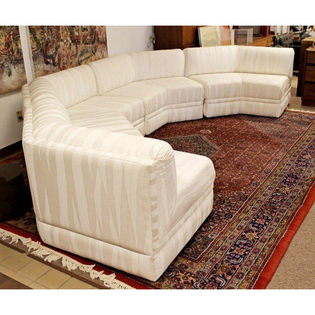 Mid-Century Modern Mid-Century Modern Four-Piece White Octagon Sectional Sofa Baughman, 1970s For Sale - Image 3 of 13