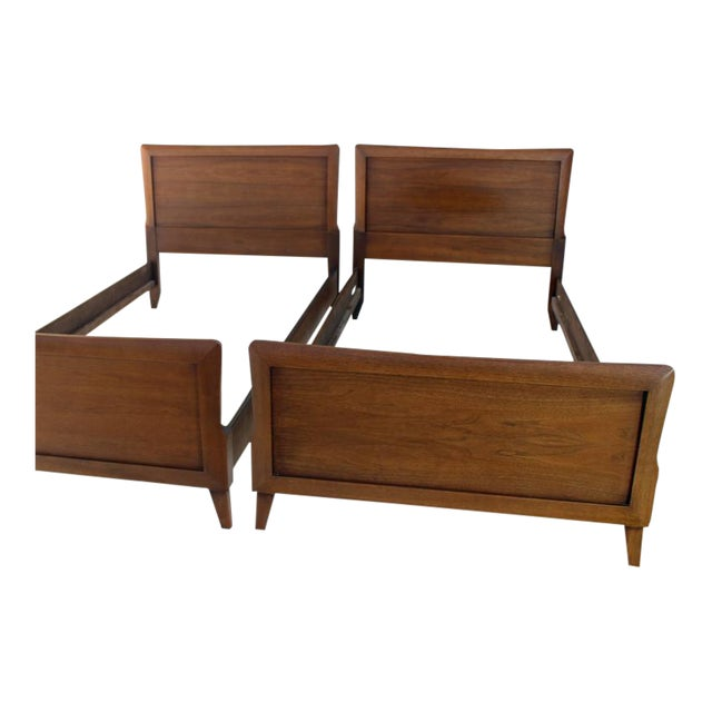 Pair of Heritage Henredon Twin Beds For Sale