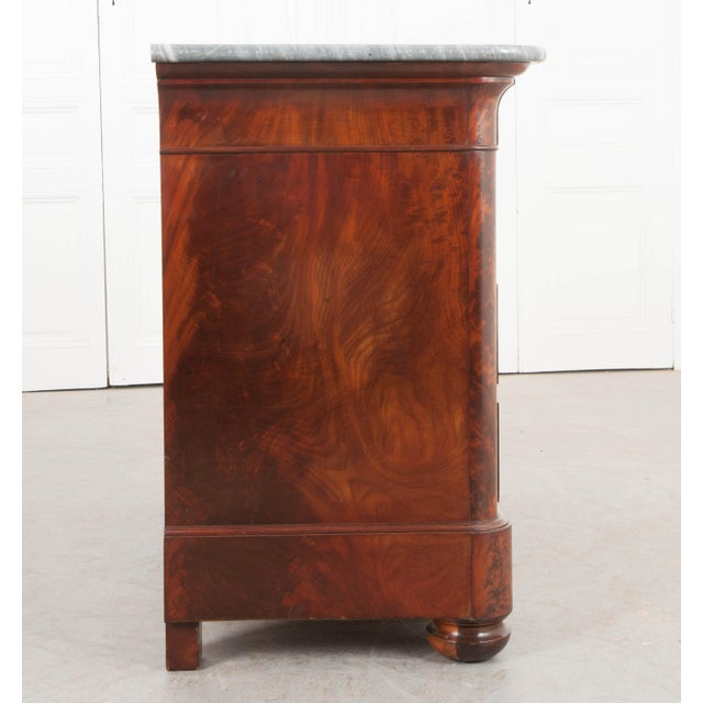 French French 19th Century Louis Philippe-Style Mahogany Commode For Sale - Image 3 of 12