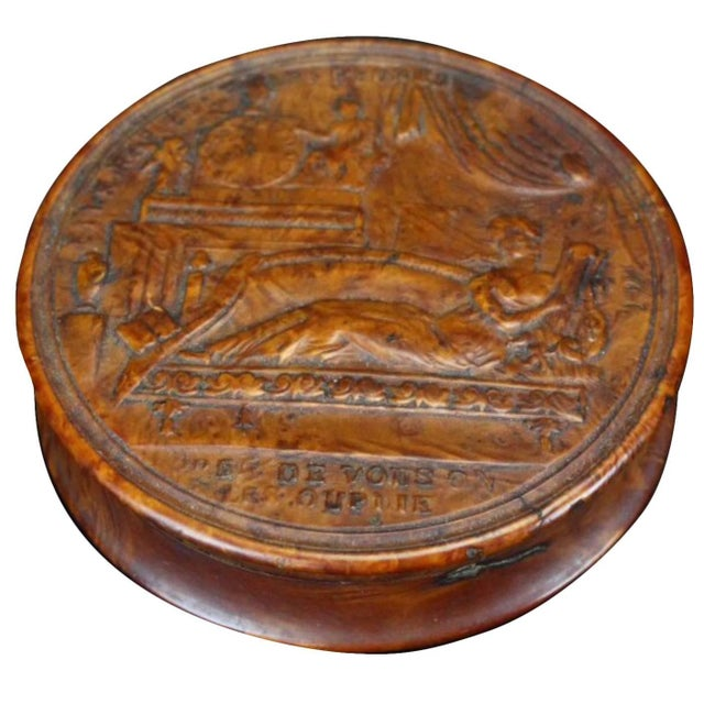 Wood 19th Century Empire French Pressed Wood Snuff Box For Sale - Image 7 of 7