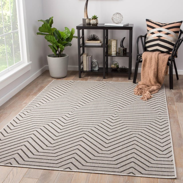 2010s Jaipur Living Prima Indoor/ Outdoor Geometric Area Rug - 5′ × 7′6″ For Sale - Image 5 of 6