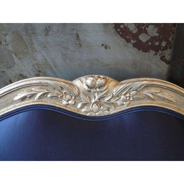 Blue 1930s Vintage French Silver Leaf Canape For Sale - Image 8 of 9