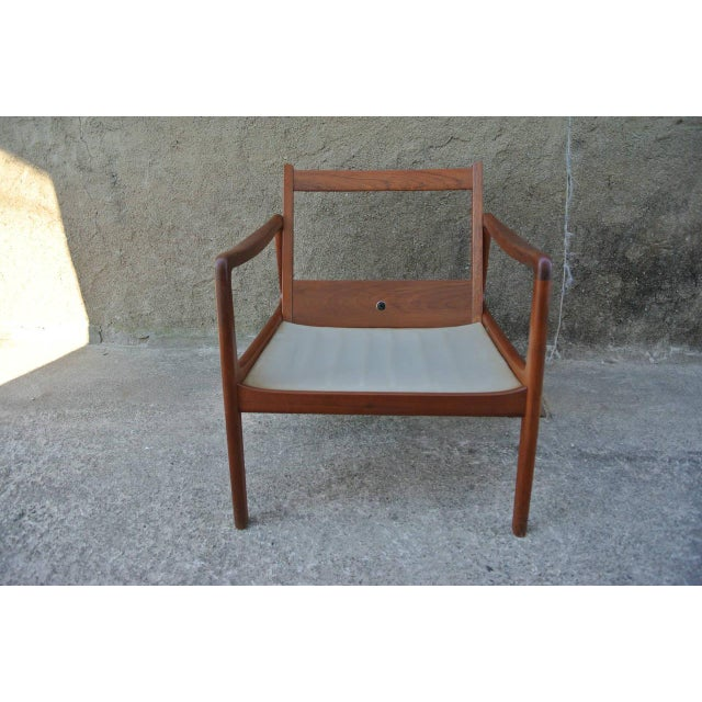Mid 20th Century Easychair by Ole Wanshcer for John Stuart For Sale - Image 5 of 9