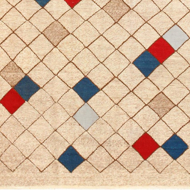 Mid-Century Swedish Kilim Rug - 7′ × 9′9″ For Sale In New York - Image 6 of 7