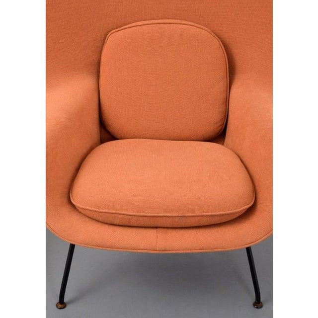 Mid-Century Modern Eero Saarinen Womb Lounge Chair and Ottoman, Usa, 1960s For Sale - Image 3 of 8