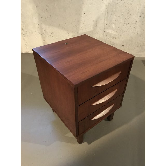 Mid-Century Modern 1960's Petite Low Chest in Walnut by Jens Risom For Sale - Image 9 of 11