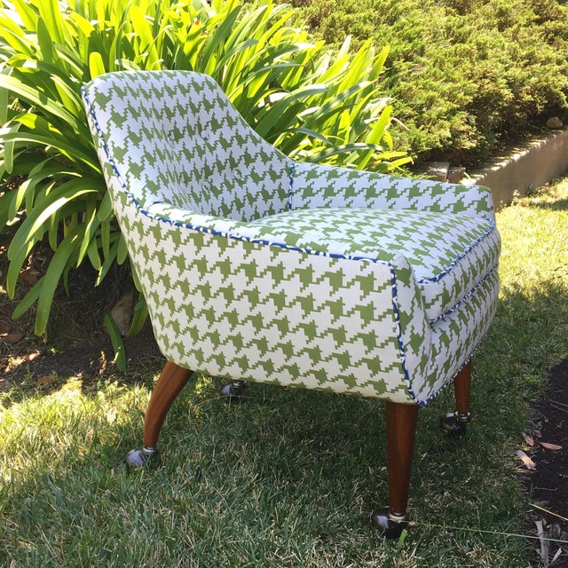 This Club Chair has a bold Green and White Houndstooth textile pattern with Blue and White accent piping. The refinished...
