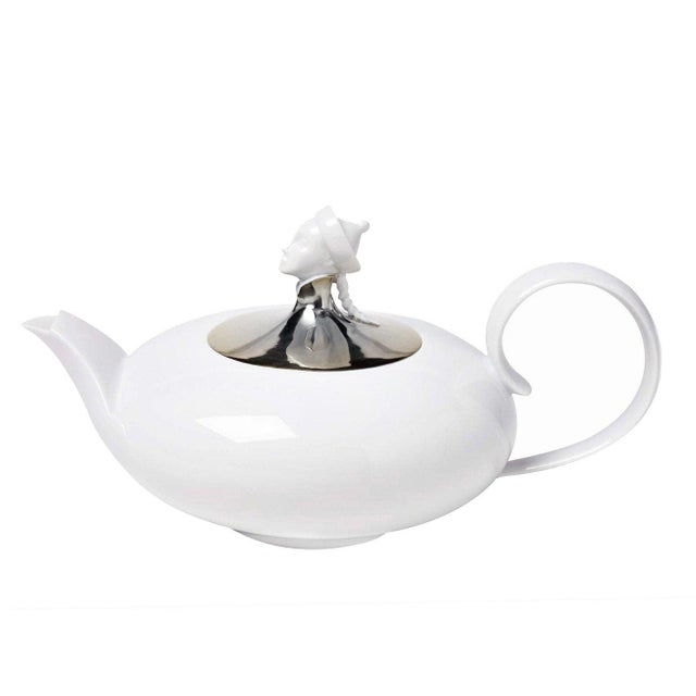"New, original 1920s design ""Chinese"" 1.2l teapot made of pure white porcelain with 24K gold lid, part of the ""Orient""..."
