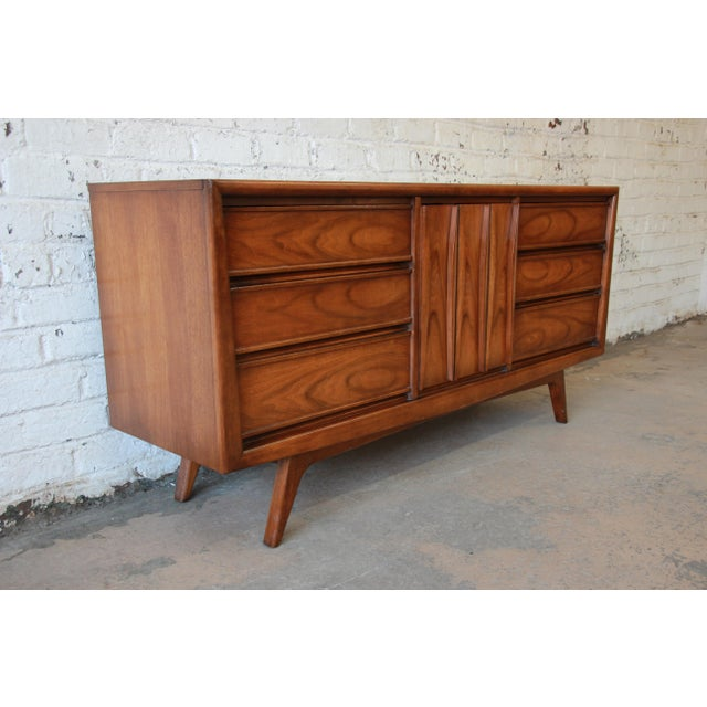 Mid-Century Modern United Mid-Century Sculpted Front Walnut Long Dresser For Sale - Image 3 of 10
