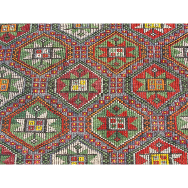 "Vintage Turkish Kilim Rug - 6'9"" x 8'3"" For Sale - Image 7 of 11"