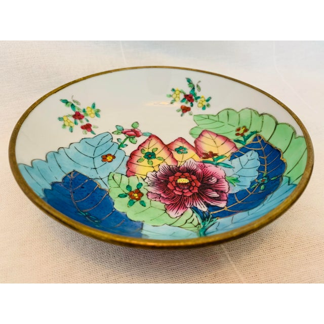 Mid 20th Century Vintage Mid-Century Chinoiserie Porcelain & Brass Tobacco Leaf Trinket Dish For Sale - Image 5 of 5
