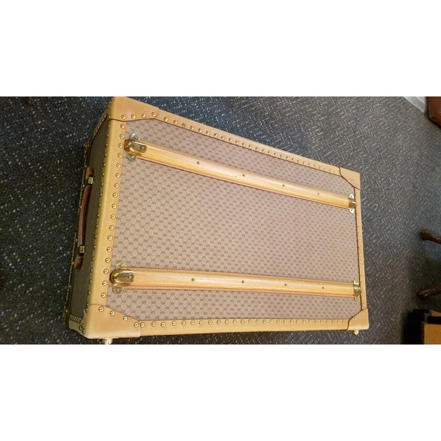 1970's Original Gucci Logo Hard Sided Suitcases - a Pair For Sale In Philadelphia - Image 6 of 12