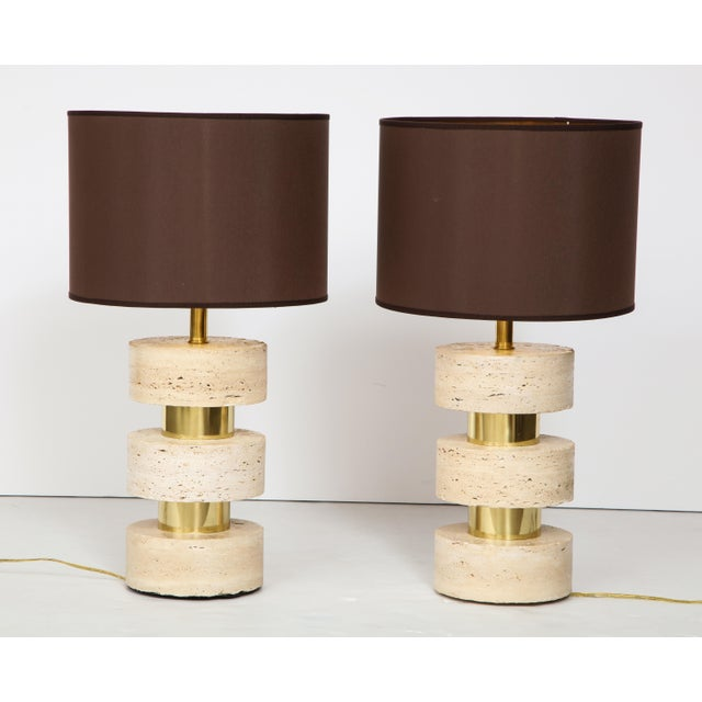 Pair of Italian 1970s Travertine and Brass Table Lamps For Sale - Image 4 of 8