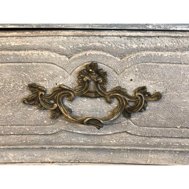 18th. C. French Louis XV Polychromed Commode For Sale - Image 4 of 13