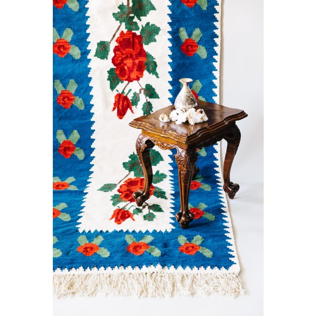 World of Roses - Vintage Hand-Woven Turkish Kilim - 3′4″ × 7′6″ - Image 6 of 7