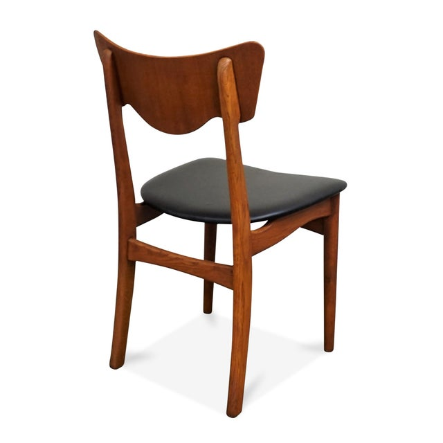 "Original Danish Mid Century Modern Teak Dining Chair - Set of 5 - ""Paul"" For Sale In New York - Image 6 of 10"