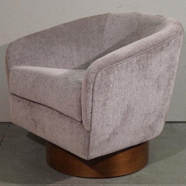 Milo Baughman Swivel Tub Chair - Image 6 of 7