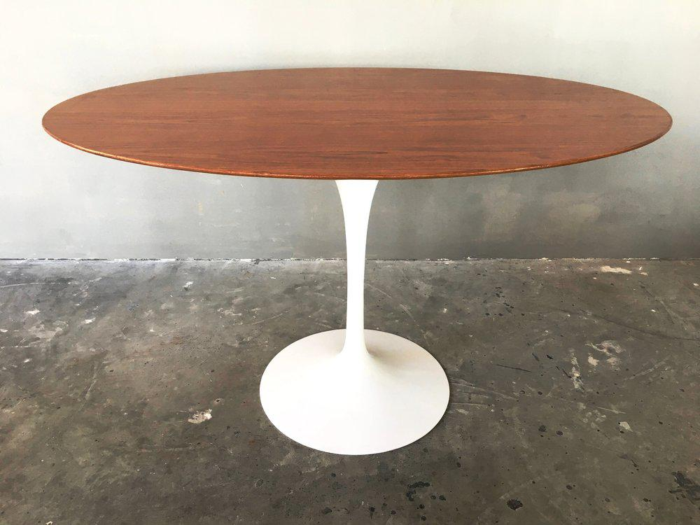 Authentic Walnut Oval Saarinen For Knoll Tulip Table For Sale. Very Pleased  To Be Able To Offer This Iconic Beauty In Stellar Condition. Not A