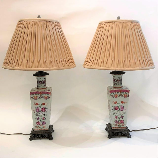 Asian Pair Antique French 19th Century Samson Lamps with Vases in Famille Rose, Circa 1890-1910. For Sale - Image 3 of 3