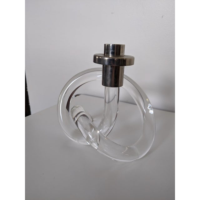 Single iconic and elegant lucite candlestick, designed by Dorothy Thorpe.