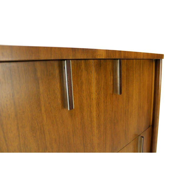 Very nice mid-century modern high chest by Dale Ford for John Widdicomb.