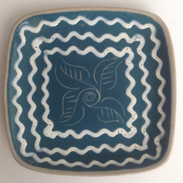 Blue & White Enameled Glidden Pottery Tray - Image 2 of 5