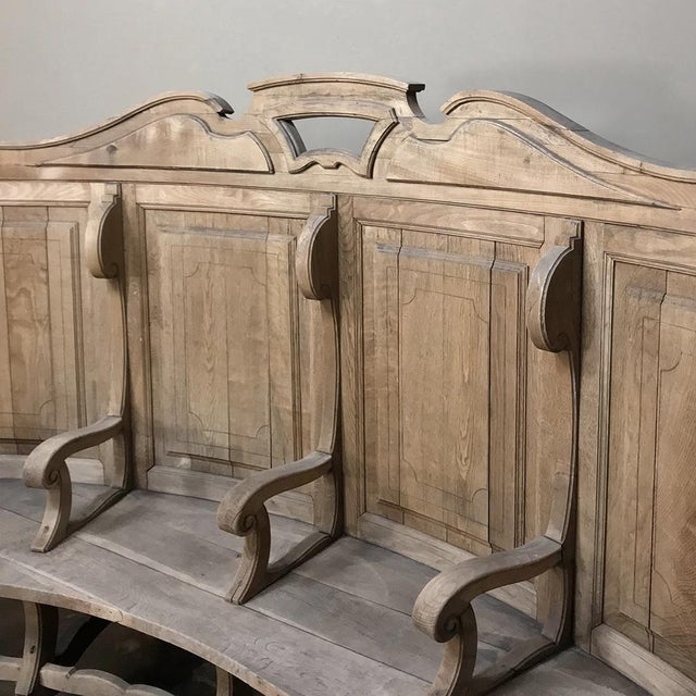 18th Century Rounded Foyer ~ Bay Bench For Sale - Image 4 of 10