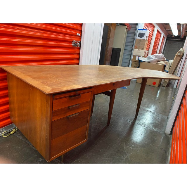 Brown 1960s Mid-Century Modern Executive Desk by the Standard Company For Sale - Image 8 of 8