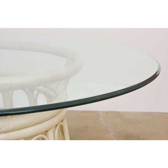 Mid-Century Modern Bamboo Rattan Lacquered Round Dining Table by Brown Jordan For Sale - Image 3 of 13