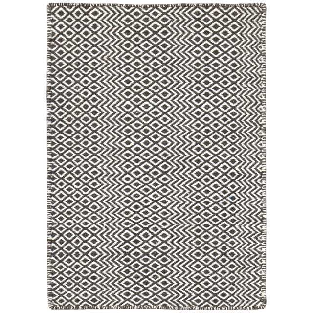 Bella Modern Chocolate Hand-Woven Rug 4'x6' For Sale