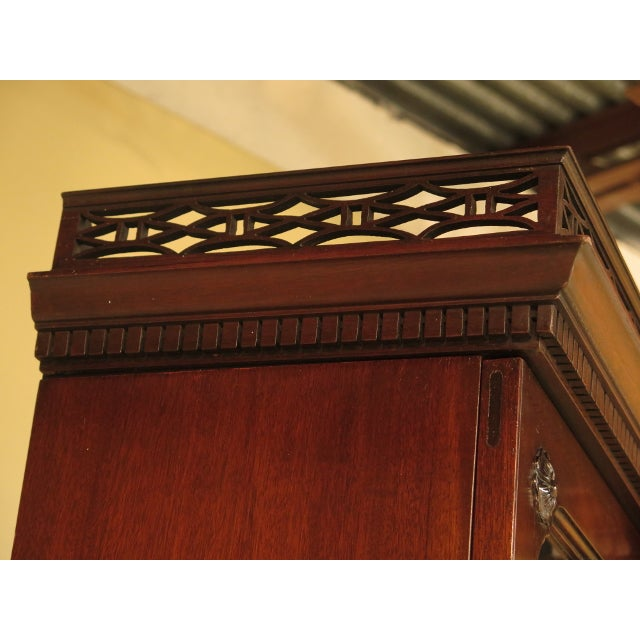 Kittinger Colonial Williamsburg Model CW-38 Mahogany Breakfront Bookcase For Sale In Philadelphia - Image 6 of 11