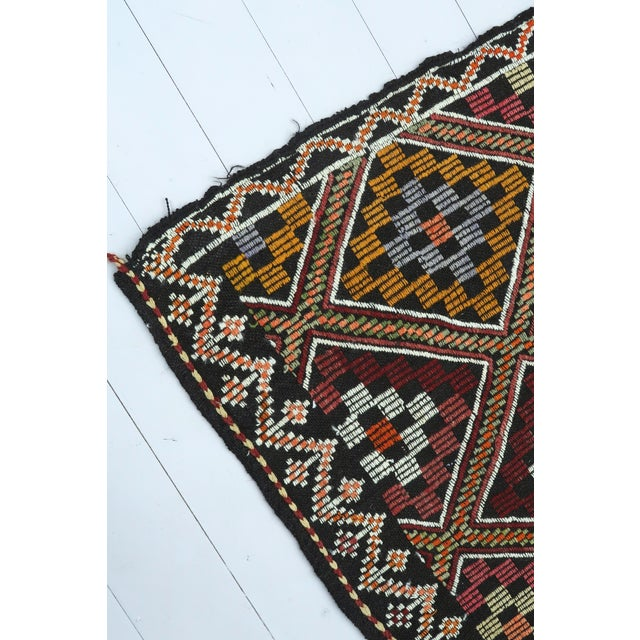 Vintage Turkish Antalya Embroidered Kilim Rug- 4′8″ × 9′7″ For Sale - Image 11 of 13
