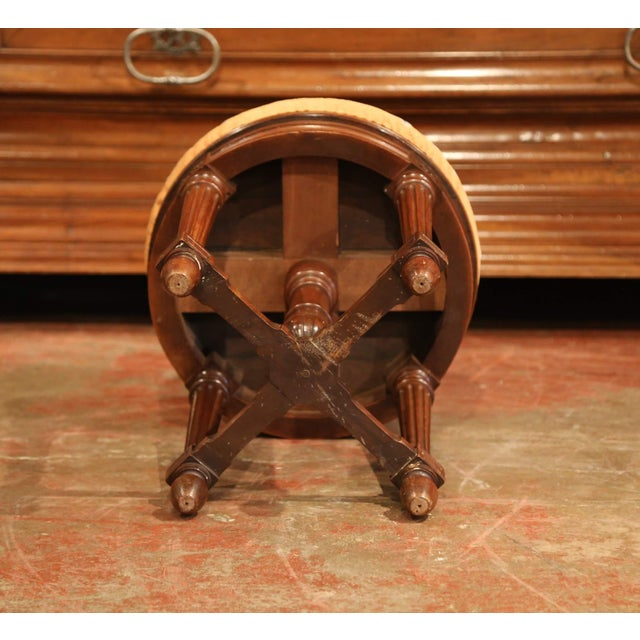 19th Century French Louis XVI Carved Walnut Round Adjustable Swivel Piano Stool For Sale - Image 9 of 10
