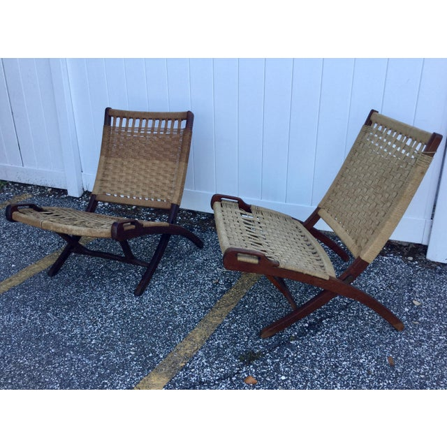 1960s Hans Wegner Style Folding Rope Chairs - a Pair For Sale - Image 5 of 9