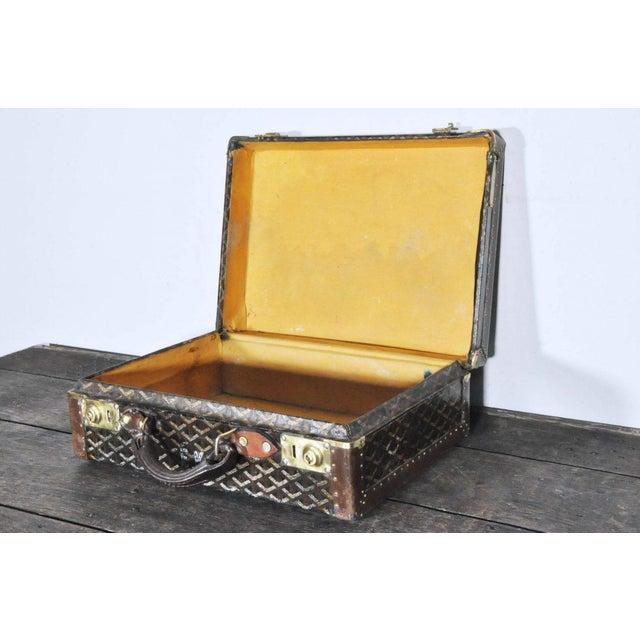 Goyard 19th Century Traditional Goyard Suitcase For Sale - Image 4 of 7
