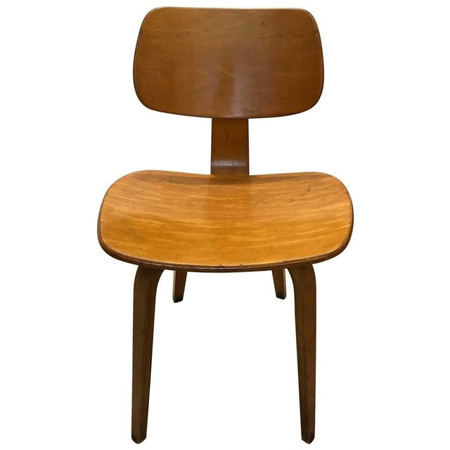Thonet is legendary for its commitment to function and innovation, such as the technique invented to bend solid wood....