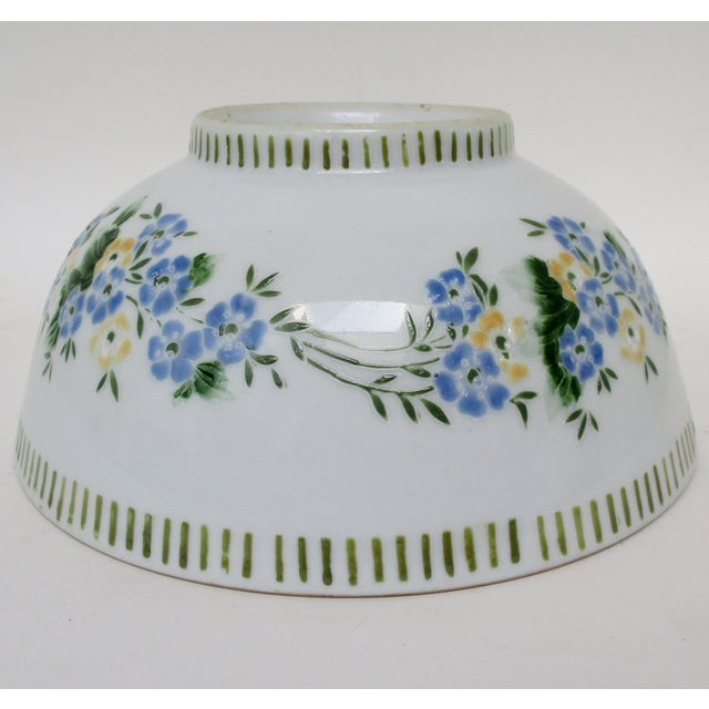 Mid 20th Century Chinese Porcelain Serving Bowl For Sale - Image 5 of 7