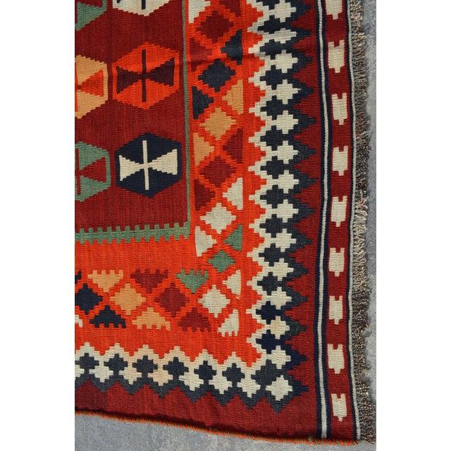 Persian Handwoven Shirazi Red & Orange Kilim Wool Rug - 5′3″ × 8′3″ For Sale - Image 4 of 6