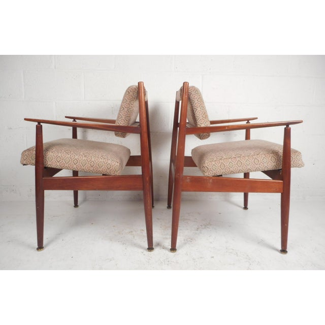 Mid-Century Modern 1960d Mid-Century Modern Jens Risom Design Walnut Lounge Chairs - a Pair For Sale - Image 3 of 10