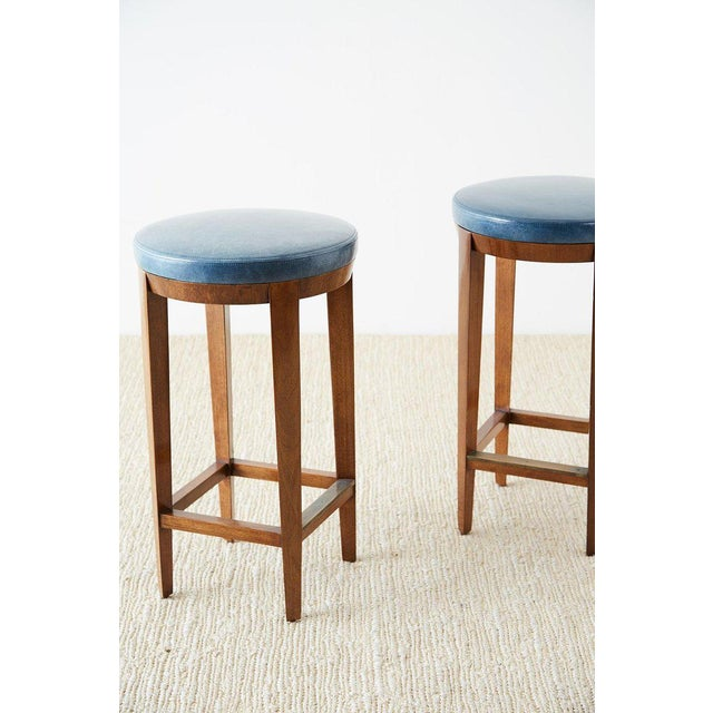 Animal Skin Pair of Dessin Fournir Leather Mahogany Bar Stools For Sale - Image 7 of 13