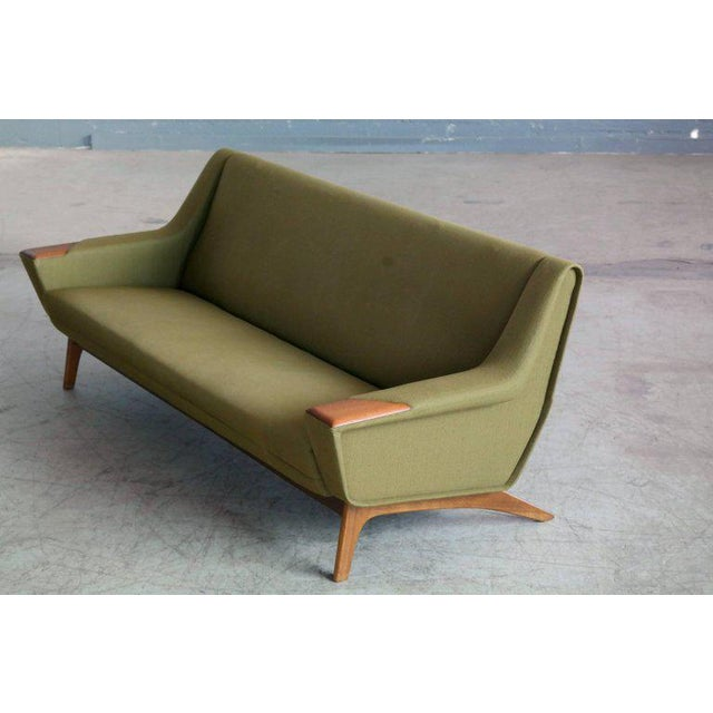 Danish Midcentury Sofa in Wool and Teak by Erhardsen and Erlandsen for Eran For Sale In New York - Image 6 of 10