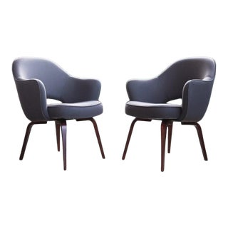 Mid Century Grey Wool Upholstered Eero Saarinen Arm Chairs - a Pair For Sale