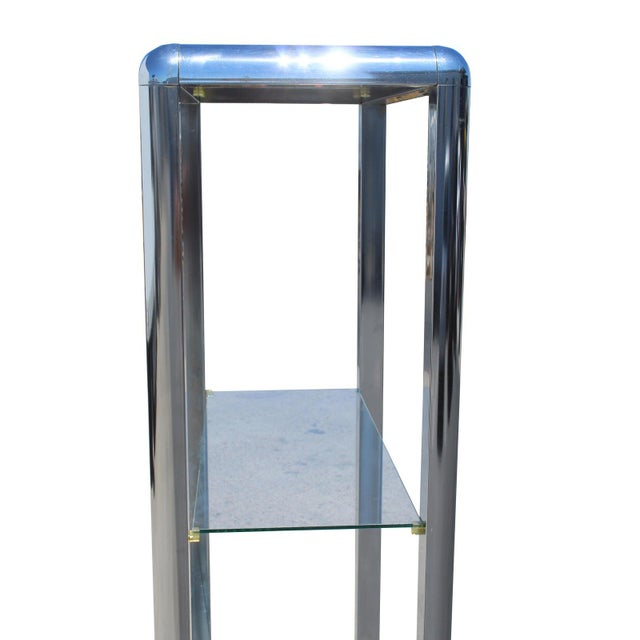 1970s 1970s Chrome Mirrored Display Case Stand For Sale - Image 5 of 13