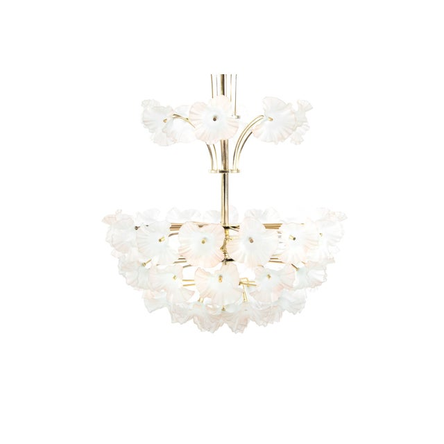 "Mid-Century Modern Murano Glass and Brass ""Hibiscus"" Chandelier, Italy, 1950s For Sale - Image 3 of 10"