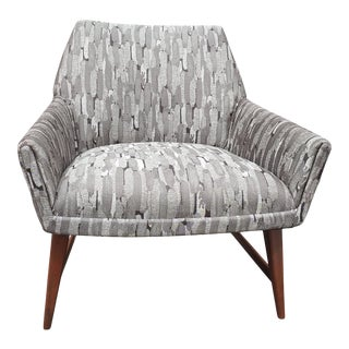 Mid-Century Modern Designer Slipper Chair in Robert Allen Upholstery For Sale