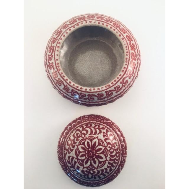 1950s 1950s Delft Red & White Lidded Bowl For Sale - Image 5 of 9