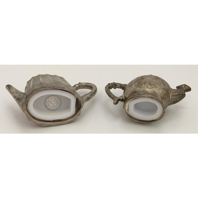 Set of 2 Godinger Silver Art salt & Pepper shakers shaped like teapots. Vintage circa 1980s.