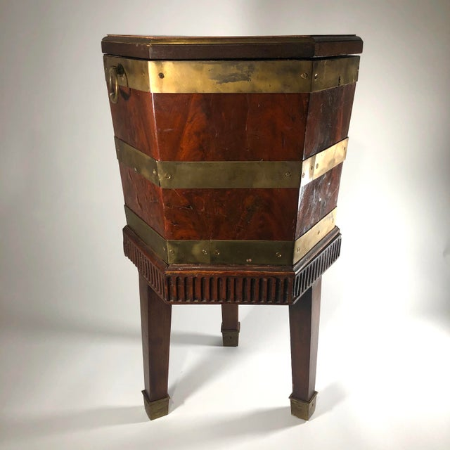 Late 18th Century English George III Period Mahogany and Brass Bound Cellarette Side Table For Sale In Cleveland - Image 6 of 7