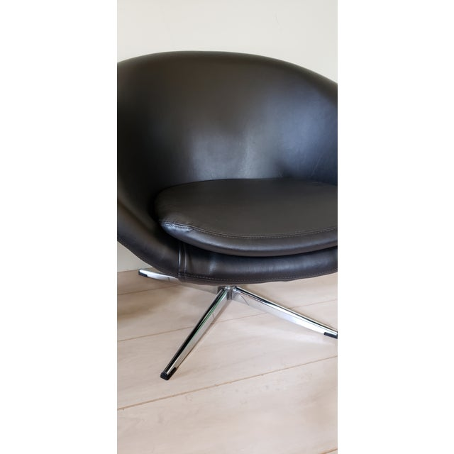 Silver 1970s Mid Century Modern Overman Swivel Pod Chairs - a Pair For Sale - Image 8 of 13