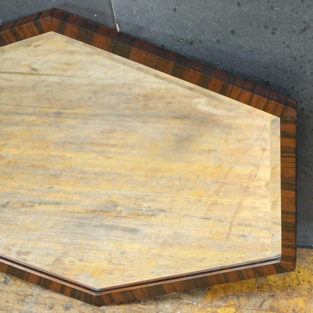 1930s European Art Deco Wall Mirror of Optically Illusory Hexagonal Form For Sale - Image 5 of 6